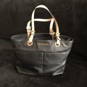 Michael Kors Bags - Michael Kors Black Tote with Beige straps